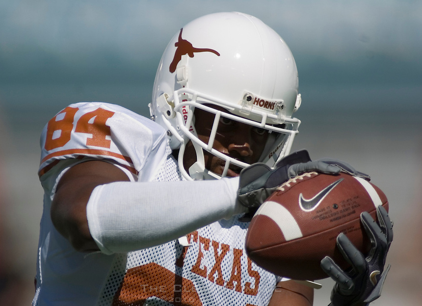 07 October 2006: Texas receiver George Walker warms up before the Longhorns game against the University of Oklahoma Sooners at the Cotton Bowl in Dallas, TX.