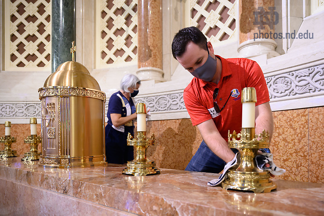 September 24, 2021; Mike Fletcher '10 was one of several Notre Dame alumni and staff who helped clean at Our Lady of the Angels Church in Chicago, the Alumni Association service event of the 2021 Shamrock Series. (Photo by Matt Cashore/University of Notre Dame)