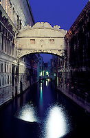 Italy,Venice, The Ponte dei Sospiri (The Bridge of Sighs). prison built in 160