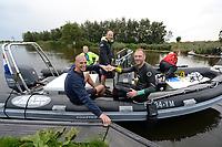 ZWEMSPORT: BROEK (BIJ JOURE)  06-09-2020 : Benno Tuinstra zwemt de 11 van Joure voor de Maarten van der Weijden Foundation, Benno Tuinstra en Maarten van der Weijden, opbrengst 15.695 euro, ©foto Martin de Jong