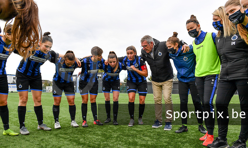 Brugge's players pictured before a female soccer game between Club Brugge Dames YLA and RSC Anderlecht Ladies on the fifth matchday of the 2020 - 2021 season of Belgian Scooore Womens Super League , sunday 18 October 2020  in Brugge , Belgium . PHOTO SPORTPIX.BE | SPP | DAVID CATRY