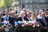 MARINE LE PEN, GILBERT COLLARD - DEPOT DE GERBE DEVANT LA STATUE DE JEANNE D'ARC PLACE SAINT-AUGUSTIN A PARIS
