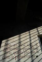 Carpi / Modena / Italia.Una immagine scattata all'interno del Museo al deportato dedicato alla memoria delle vittime dei campi di concentramento nazisti.. Il Museo Monumento al Deportato si trova all'interno del Palazzo dei Pio, affacciato su piazza dei Martiri, la principale piazza del centro storico di Carpi..A picture taken inside the museum dedicated to the memory of the victims of Nazi concentration camps. The Memorial Museum is located in the Palazzo Pio, overlooking Martyrs' Square, the main square of the old town of Carpi..Photo Livio Senigalliesi.