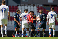 GUADALAJARA, MEXICO - MARCH 18: Jackson Yueill #6 of the United States and referee Said MARTINEZ exchange a few words during a game between Costa Rica and USMNT U-23 at Estadio Jalisco on March 18, 2021 in Guadalajara, Mexico.