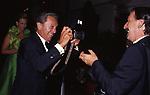 ELISABETTA E ROBERT DE BALKANY CON IL FOTOGRAFO MARCELLINO RADOGNA<br /> DICIOTTESIMO COMPLEANNO DI ELISABETTA DE BALKANY<br /> PALAZZO VOLPI     VENEZIA     AGOSTO  1990