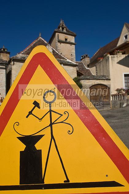 Europe/France/Midi-Pyrénées/46/Lot/Lherm: Panneau signalant la présence de forgerons dans le village - Place du Carralier- le village était spécialisé dans l'industrie du fer dés le moyen age