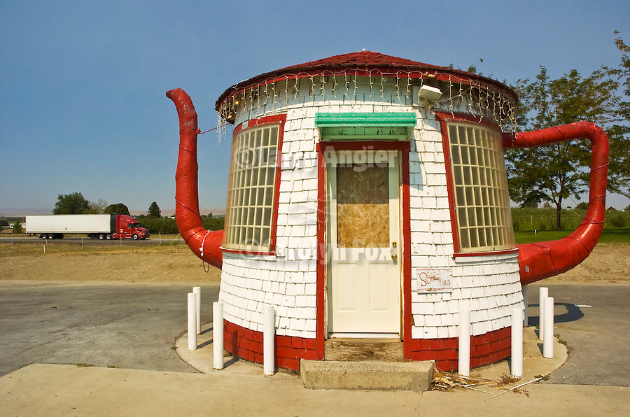 Teapot Dome gas station building,along I-82 in rural Washington