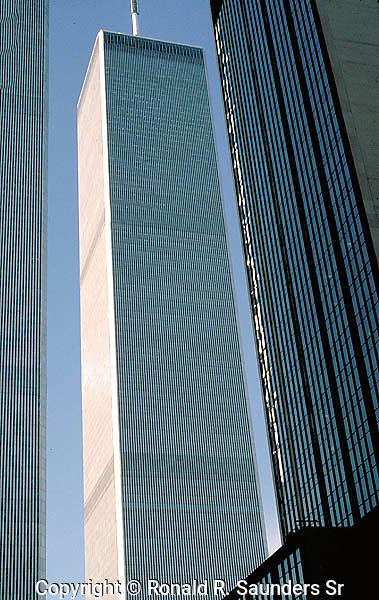 WORLD TRADE CENTER TOWER FROM STREET LEVEL
