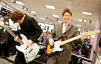 Incredibly Suave Performs At Macy's In Robinson Town Center