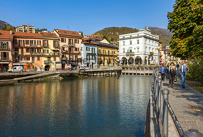 Italy, Piedmont, Omegna: small town at the Northern banks of Lake Orta | Italien, Piemont, Omegna: Kleinstadt am Nordende des Ortasees