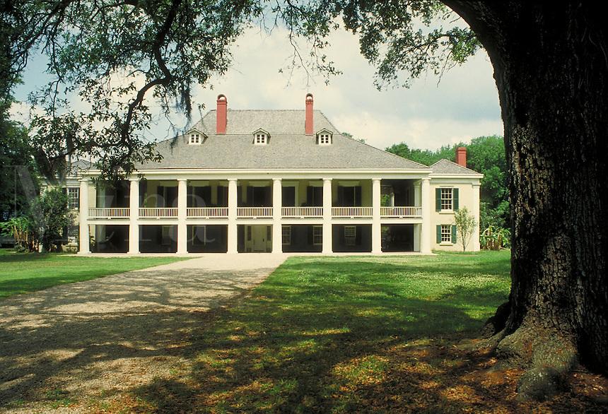 Historic Desthrehan Plantation in Louisiana Bayou country. LA USA.