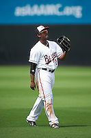 Bowie Baysox right fielder Quincy Latimore (22) during warmups before the second game of a doubleheader against the Akron RubberDucks on June 5, 2016 at Prince George's Stadium in Bowie, Maryland.  Bowie defeated Akron 12-7.  (Mike Janes/Four Seam Images)