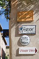 Europe/France/Languedoc-Roussillon/30/Gard / Saint-Quentin-la-Poterie: Plaques signalétiques du village