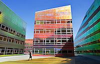 ALMERE- La Defense. Het gebouw waar het UWV en Belastingkantoor gevestigd zijn.
