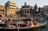 am Manikarnika= Verbrennungs Ghat, Varanasi (Uttar Pradesh), Indien