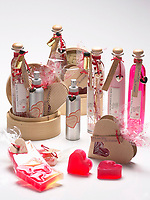 Jan 14,  2001, Montreal, Quebec, Canada<br /><br />Studio illustration of bath /beauty product that make perfect gift for Valentine Day on February 14th<br /> <br /><br />Mandatory Credit: Photo by Pierre Roussel- Images Distribution. (©) Copyright 2002 by Pierre Roussel <br />ON SPEC<br />NOTE l Nikon D-1 jpeg opened with Qimage icc profile, saved in Adobe 1998 RGB.