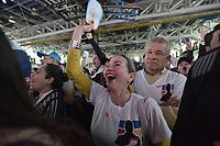 BOGOTA - COLOMBIA, 17-06-2018: Seguidores de Ivan Duque, presidente electo y candidato presidencial por el partido Centro Democrático celebran al finalizar la segunda vuelta de las elecciones presidenciales de Colombia 2018 hoy domingo 17 de junio de 2018. El candidato ganador gobernará por un periodo máximo de 4 años fijado entre el 7 de agosto de 2018 y el 7 de agosto de 2022. / Followers of Ivan Duque, elected president and presidential candidate for the Centro Democratico party, celebrate after Colombia's second round of 2018 presidential election today Sunday, June 17, 2018. The winning candidate will govern for a maximum period of 4 years fixed between August 7, 2018 and August 7, 2022. Photo: VizzorImage / Gabriel Aponte / Staff