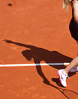 29-05-12, France, Paris, Tennis, Roland Garros, shadow of Sharapova