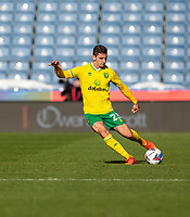 12th September 2020 The John Smiths Stadium, Huddersfield, Yorkshire, England; English Championship Football, Huddersfield Town versus Norwich City;  Kenny McLean of Norwich City crosses into the box as Norwich press