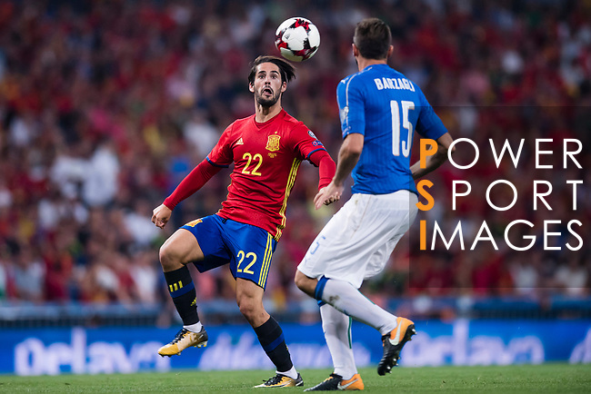 Isco (L) of Spain fights for the ball with Andrea Barzagli (R) of Italy during their 2018 FIFA World Cup Russia Final Qualification Round 1 Group G match between Spain and Italy on 02 September 2017, at Santiago Bernabeu Stadium, in Madrid, Spain. Photo by Diego Gonzalez / Power Sport Images