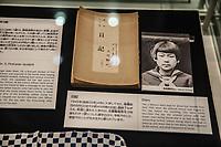 objects from victims  oggetti appartenuti alle vittime, un diario  a diary