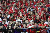 MEDELLIN - COLOMBIA - 7-JUNIO-2015: Hinchas del Independiente Medellin  durante  partido de vuelta de la final  de La lIga Aguila 2015-I jugado en el estadio Atanasio Girardot de la ciudad de Medellin. /. Fans of Independiente Medellin reacts   against Depprtivo Cali during  the second leg of the final played in the Atanasio Girardot stadium in the city of Medellin.Photo: VizzorImage / Felipe Caicedo / Staff.