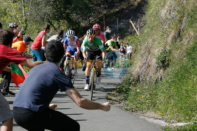 The lead group with Green Jersey Primoz Roglic (SLO) Team Jumbo-Visma, David Gaudu (FRA) Groupama-FDJ and Hugh Carthy (GBR) EF Education-Nippo during Stage 6 of the Itzulia Basque Country 2021, running 111.9km from Ondarroa to Arrate, Spain. 10th April 2021.  <br /> Picture: Luis Angel Gomez/Photogomezsport | Cyclefile<br /> <br /> All photos usage must carry mandatory copyright credit (© Cyclefile | Luis Angel Gomez/Photogomezsport)