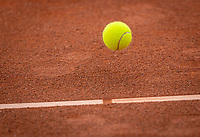 Netherlands, Oktober 17,  2021, Beneden-Leeuwen, KIA Competition Men, premier league, Lewabo vs Suthwalda, Tennisball<br /> Photo: Henk Koster/tennisimages.com