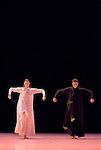 SIGNES.Choregraphie : CARLSON Carolyn.Compositeur : AUBRY Rene.Compagnie : Ballet de l Opera national de Paris.Decor : DEBRE Olivier.Lumiere : BESOMBES Patrice.Costumes : DEBRE Olivier.Avec :GILLOT Marie Agnes.BELARBI Kader.Lieu : Opera Bastille.Ville : Paris.Le : 27 06 2008.© Laurent Paillier / photosdedanse.com.All rights reserved
