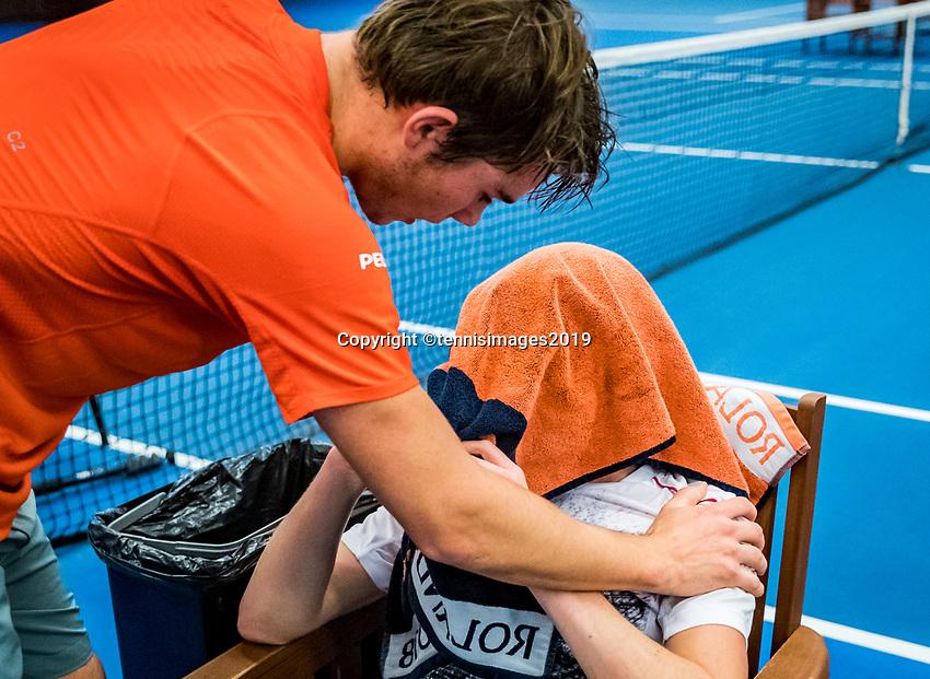 Alphen aan den Rijn, The Netherlands, 25 Januari 2019, ABNAMRO World Tennis Tournament, Supermatch, Final,Winner Ryan Nijboer  (NED) comforts Jesper de Jong (NED)<br /> <br /> Photo: www.tennisimages.com/Henk Koster