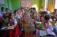 Alunos em sala de aula em Havana. Cuba. 1989. Foto de Paulo Simas.