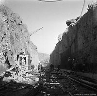 travaux-de-construction--la-station-de-métro-le-ste-hélene-jean-drapeau-9-novembre-1964