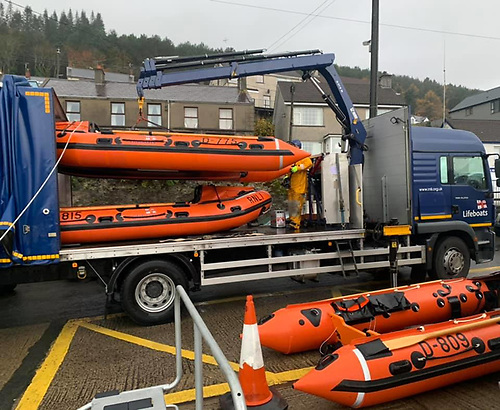 Newcastle RNLI lifeboat is unloaded from the delivery lorry