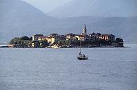 - Maggiore Lake, Borromee Islands, Island of Fishermens....- Lago Maggiore, Isole Borromee, Isola dei Pescatori