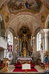 Deutschland, Bayern, Chiemgau, Achental, Schleching: Pfarrkirche St. Remigius, Altar | Germany, Bavaria, Chiemgau, Achen Valley, Schleching: parish church St Remigius, altar