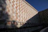 La Fontana delle 99 cannelle, detta anche della Rivera..The Fountain of 99 Spouts, also called the Rivera...