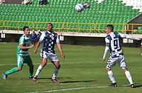 TUNJA - COLOMBIA, 01-09-2018: Denis Mena Zapata (C) y Diego Valdes (Der) jugadores de Boyacá Chicó FC disputan el balón con Juan Alejandro Maecha (Izq) jugador de La Equidad durante partido por la fecha 7 Liga Águila II 2018 realizado en el estadio La Independencia en Tunja. / Denis Mena Zapata m(C) and Diego Valdes (R) players of Boyaca Chico FC fights for the ball with Juan Alejandro Maecha (L) player of La Equidad during match for the date 7 of Aguila League II 2018 played at La Independencia stadium in Tunja. Photo: VizzorImage / Jose Miguel Palencia / Cont