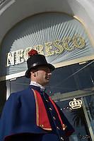 Europe/France/Provence-Alpes-Côte d'Azur/06/Alpes-Maritimes/Nice:  Hôtel: Le Négresco- Le Voiturier