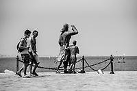 Romagna, riviera  adriatica,   cesenatico, monumento alle spose dei marinai