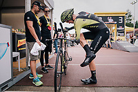 Mathew Hayman (AUS/Mitchelton-Scott) stretching before the start<br /> <br /> Stage 20 (ITT): Saint-Pée-sur-Nivelle >  Espelette (31km)<br /> <br /> 105th Tour de France 2018<br /> ©kramon