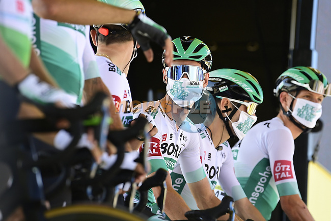 Bora-Hansgrohe at sign on before the start of Stage 10 of Tour de France 2020, running 168.5km from Ile d'Oléron to Ile de Ré, France. 8th September 2020.<br /> Picture: Bora-Hansgrohe/BettiniPhoto | Cyclefile<br /> All photos usage must carry mandatory copyright credit (© Cyclefile | Bora-Hansgrohe/BettiniPhoto)