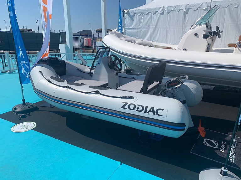 eOpen - Zodiac and MGM have taken up the challenge of offering 100% electric boats at an affordable price for the Irish market. Agile and compact, these boats are easy to drive, easy to store, easy to tow. They have 4 to 6 seats, depending on the size.