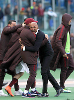 Calcio, Serie A: Roma vs Napoli. Roma, stadio Olimpico, 25 aprile 2016.<br /> Roma's coach Luciano Spalletti celebrates at the end of the Italian Serie A football match between Roma and Napoli at Rome's Olympic stadium, 25 April 2016. Roma won 1-0.<br /> UPDATE IMAGES PRESS/Isabella Bonotto