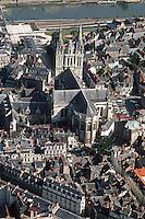 Europe/France/Pays de la Loire/49/Maine-et-Loire/Angers: la cathédrale Saint Maurice et la vieille cité - Vue Aérienne du centre historique de la ville