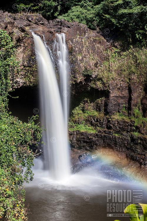 Rainbow Falls waterfall, Hilo, Big Island.