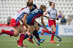 GER - Mannheim, Germany, April 28: During the women field hockey 1. Bundesliga match between Mannheimer HC (white) and Duesseldorfer HC (blue) on April 28, 2018 at Am Neckarkanal in Mannheim, Germany. Final score 1-1. (Photo by Dirk Markgraf / www.265-images.com) *** Local caption ***
