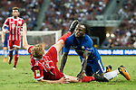 Bayern Munich Defender Felix Gotze (L) fights for the ball with Chelsea Midfielder Victor Moses (R) during the International Champions Cup match between Chelsea FC and FC Bayern Munich at National Stadium on July 25, 2017 in Singapore. Photo by Marcio Rodrigo Machado / Power Sport Images
