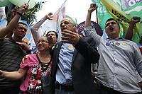CAMPINAS, SP, 04.10.2018: ELEIÇÕES-SP - O governador e candidato ao governo de São Paulo, Márcio França (PSB), fez campanha no centro de Cmapinas, interior de São Paulo, nesta quinta-feira (04). O governador foi acompanhado pela sua esposa, Lucia França e o prefeito de Campinas, Jonas Donizetti (PSB), onde passaram pelo camelodromo e calçadão da 13 de Maio. (Foto: Luciano Claudino/Código19)