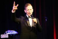 15.03.2015: Dennis Fischer singt Harald Juhnke