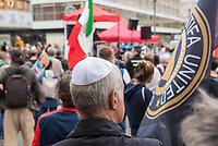 """Das Buendnis fuer ein weltoffenes und tolerantes Berlin, ein Buendnis von Kirchen, Gewerkschaften, Sport- und Wohlfahrtsverbaenden und weiteren zivilgesellschaftlichen Organisationen rief unter dem Motto """"Verantwortung fuer die Vergangenheit uebernehmen - fuer Gegenwart und Zukunft"""" zu einer Kundgebung am 17. August 2019, auf dem Alexanderplatz auf. <br /> Anlass fuer die Kundgebung waren berlinweite Proteste gegen den einen sog. """"Hessmarsch"""" von Rechtsextremisten und Neonazis.<br /> 17.8.2019, Berlin<br /> Copyright: Christian-Ditsch.de<br /> [Inhaltsveraendernde Manipulation des Fotos nur nach ausdruecklicher Genehmigung des Fotografen. Vereinbarungen ueber Abtretung von Persoenlichkeitsrechten/Model Release der abgebildeten Person/Personen liegen nicht vor. NO MODEL RELEASE! Nur fuer Redaktionelle Zwecke. Don't publish without copyright Christian-Ditsch.de, Veroeffentlichung nur mit Fotografennennung, sowie gegen Honorar, MwSt. und Beleg. Konto: I N G - D i B a, IBAN DE58500105175400192269, BIC INGDDEFFXXX, Kontakt: post@christian-ditsch.de<br /> Bei der Bearbeitung der Dateiinformationen darf die Urheberkennzeichnung in den EXIF- und  IPTC-Daten nicht entfernt werden, diese sind in digitalen Medien nach §95c UrhG rechtlich geschuetzt. Der Urhebervermerk wird gemaess §13 UrhG verlangt.]"""